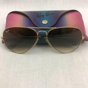 Ray-Ban Aviator Large Metal Gold Frame Sunglasses